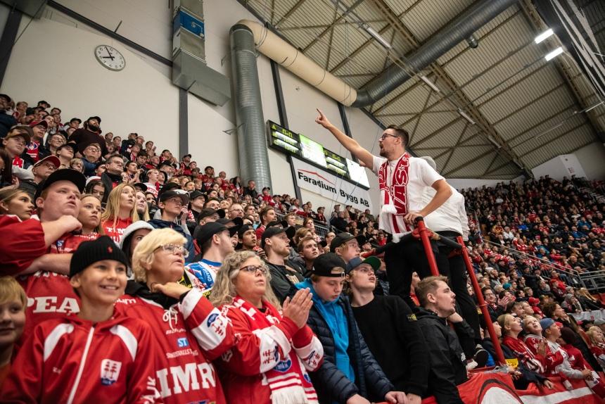 16 Timrå IK - Modo Hockey Västra stå publik