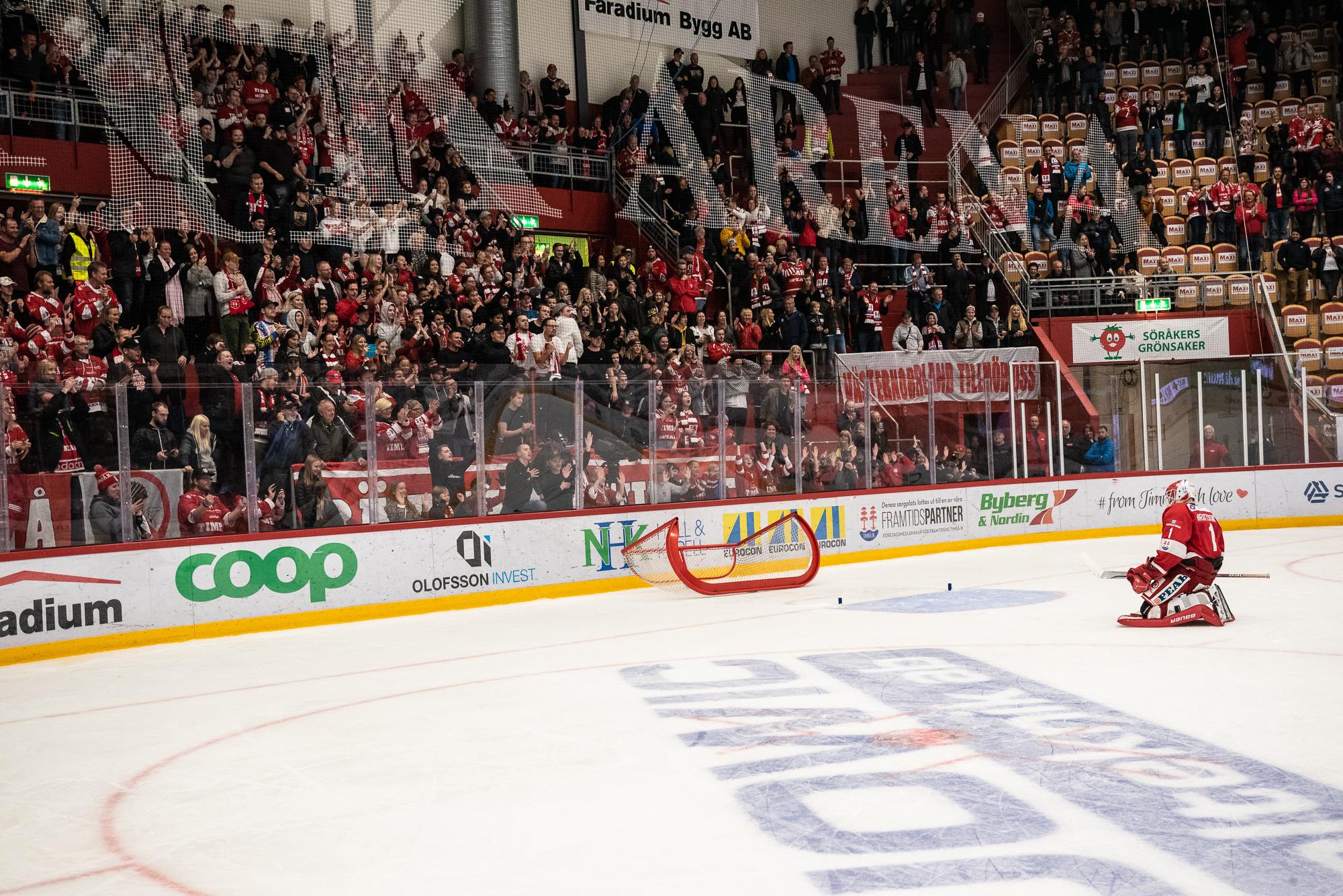 42 Timrå IK - Modo Hockey Västra stå publik Victor Brattström